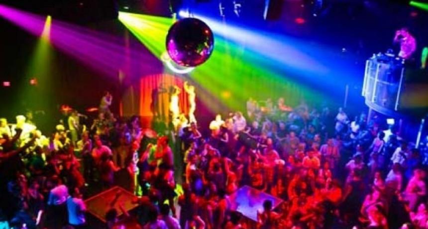 Más de 20 alumnos terminaron borrachos en una fiesta de egresados y sus padres fueron multados