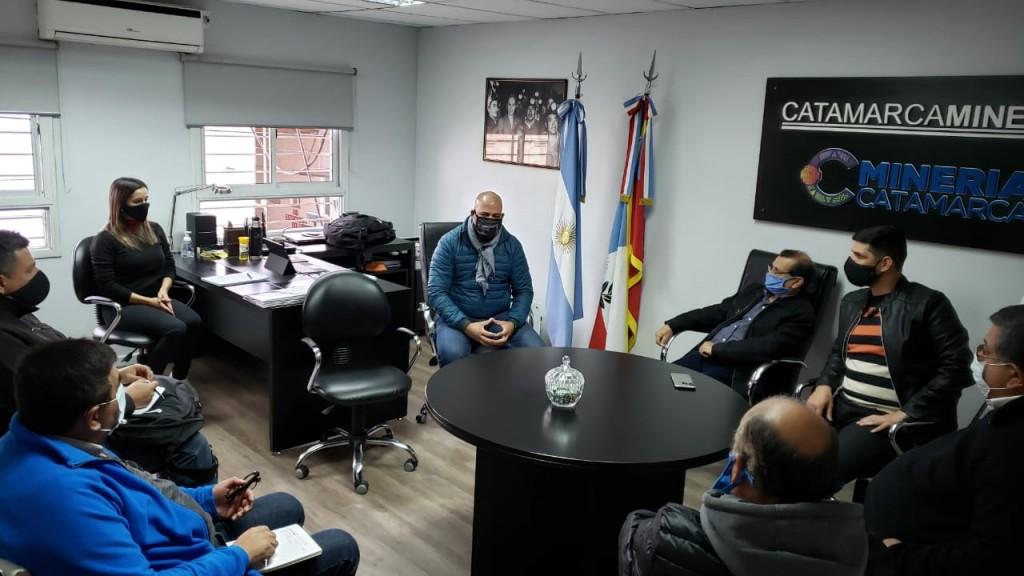 Reunión del ministro Micone y la intersindical minera