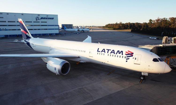 Tras 15 años, Latam anunció que deja de operar en el país y desvinculará a 1.700 empleados