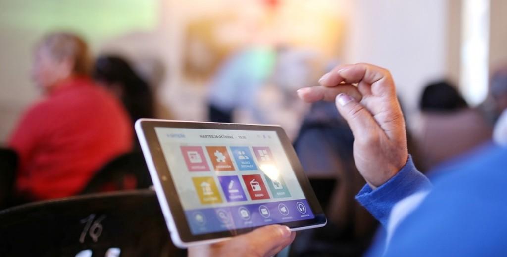 Extienden el programa que entrega tablets a jubilados, beneficiarios AUH y monotributistas sociales solo para zonas rurales