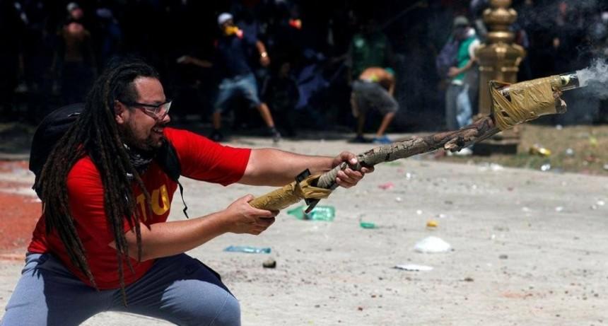 Uruguay concedió la extradición del militante que disparó un mortero casero frente al Congreso