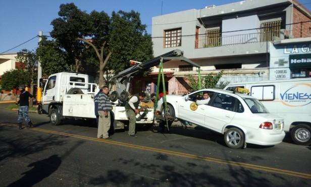 Agentes de tránsito intentan secuestrar un móvil  por transportar pan