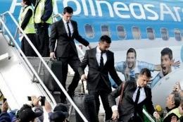 Los jugadores argentinos volvieron al país tras la derrota frente a Chile