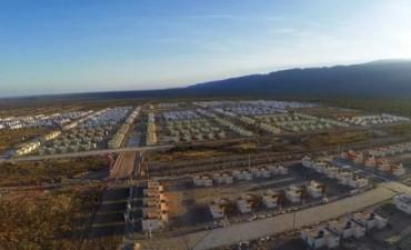Hoy  Firma de Contratos de las primeras 330 viviendas en Valle Chico