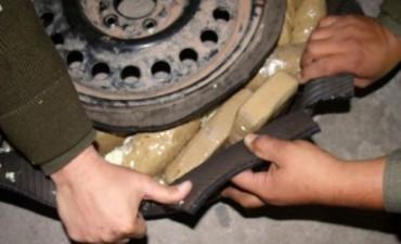13 kilos de cocaína escondidos en Una Camioneta