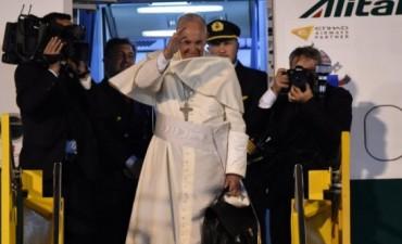 Francisco se despidió de Paraguay y finalizó su segunda visita a América Latina