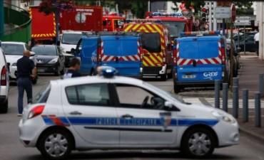 Un cura muere degollado en una toma de rehenes de una iglesia en Francia