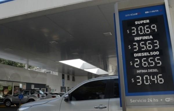 YPF subió sorpresivamente sus naftas y la súper superó los $ 30