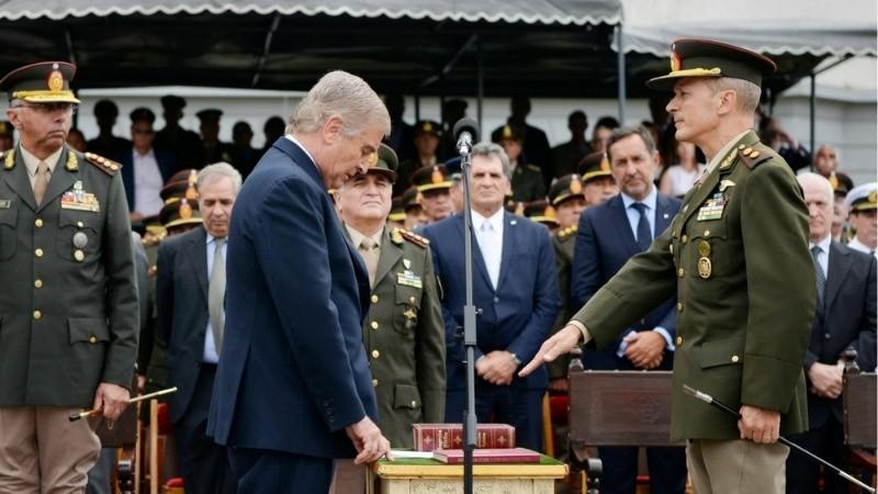 Aguad confirmó que los cambios en las Fuerzas Armadas saldrán por decreto
