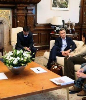 Macri, con la familia del joven premiado por la NASA que fue asesinado