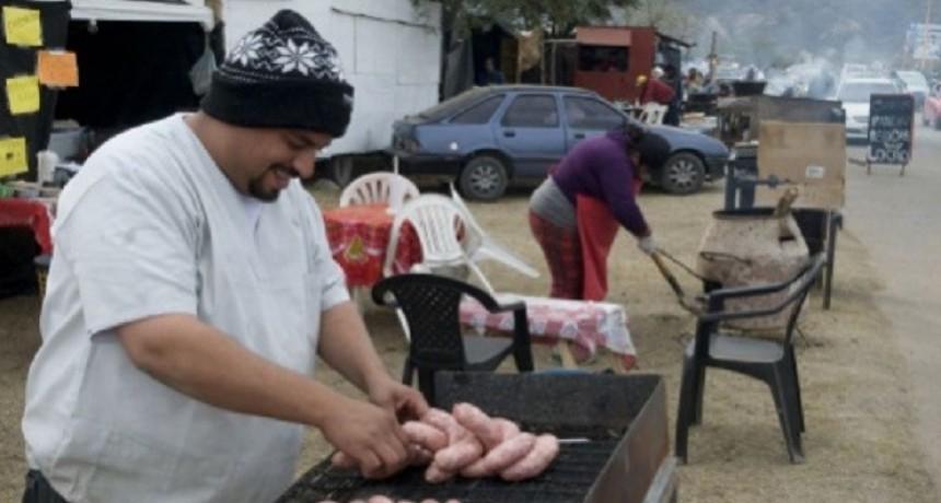 PONCHO: El control sobre  higiene y alimentos en puestos de comidas será estricto