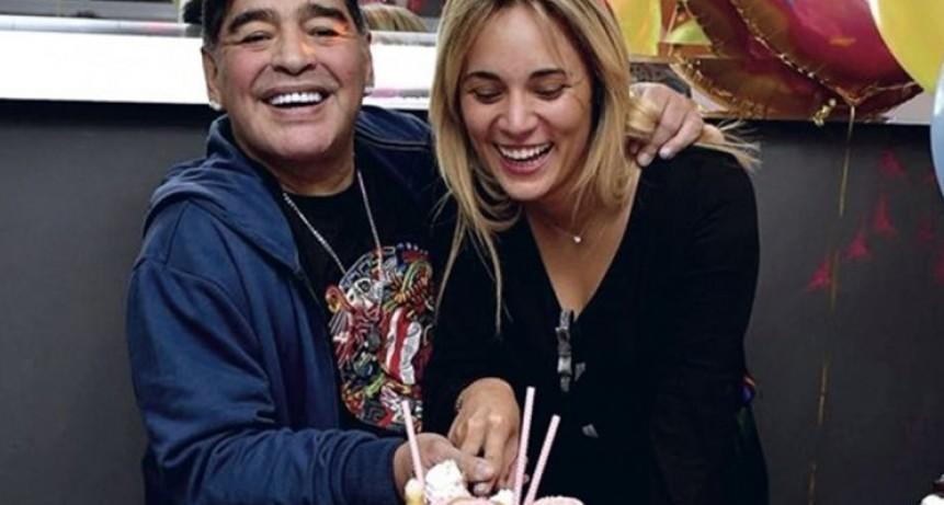 Diego Maradona tiró una bomba: dio marcha atrás con su casamiento