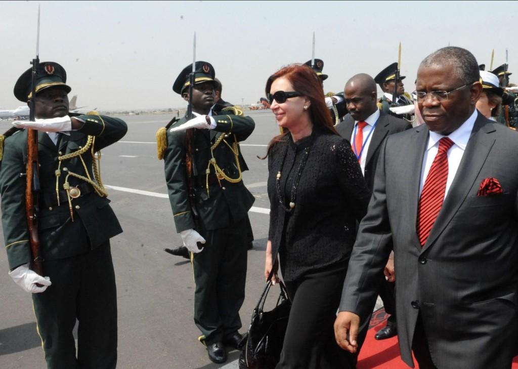 Solicitan la indagatoria de Guillermo Moreno por el financiamiento del viaje a Angola con Cristina Kirchner