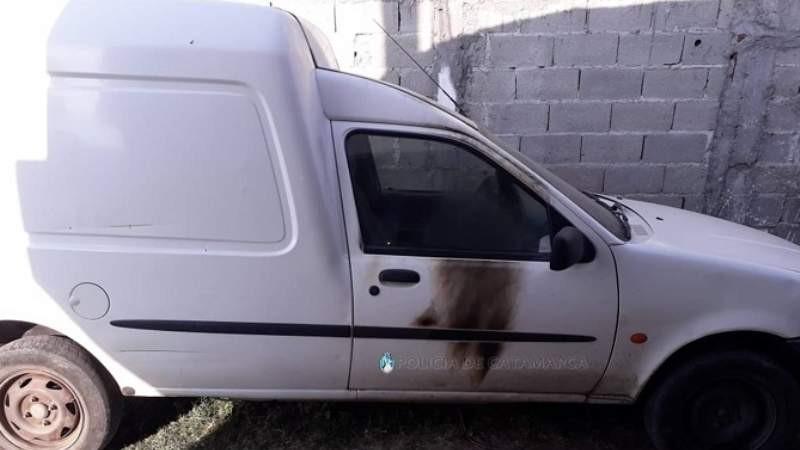 Amenazó a una mujer y le prendió fuego el auto