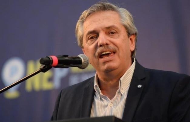 Alberto Fernández: Si quieren un presidente coucheado, ahí lo tienen a Macri