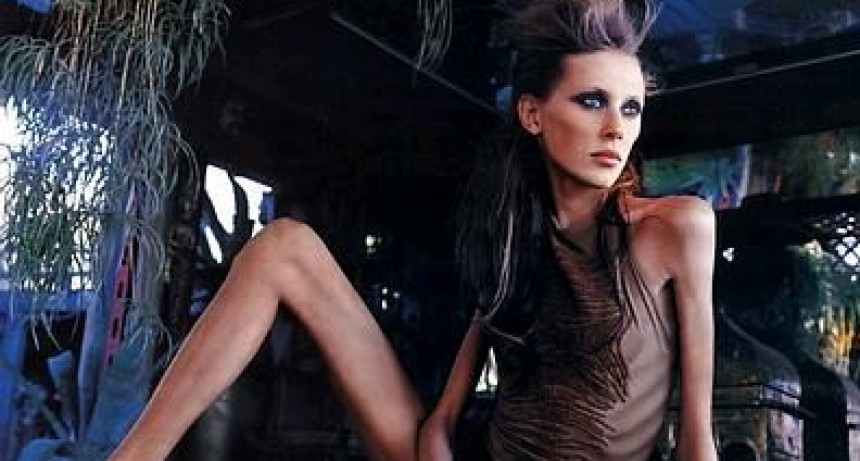 Francia multará con cárcel a quienes contraten modelos con «extrema delgadez»