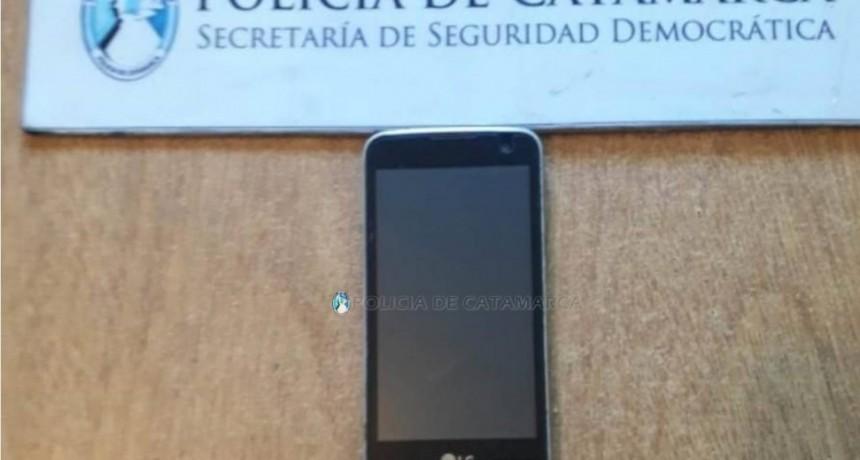 Una madre devolvió a la Policía el celular que había robado su hija