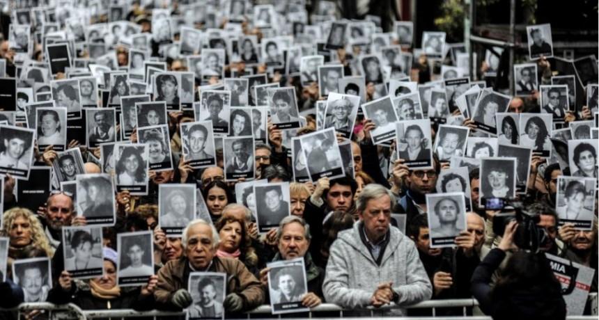 El Gobierno dio un nuevo plazo para las indemnizaciones a las víctimas del atentado a la AMIA