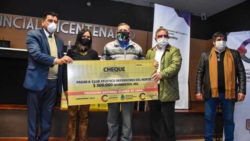 Entregaron subsidios de programas provinciales y nacionales a los clubes