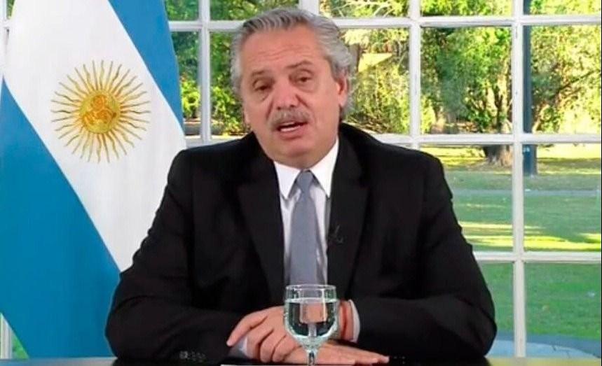 Alberto Fernández anunció la extensión de un mes del IFE para todo el país