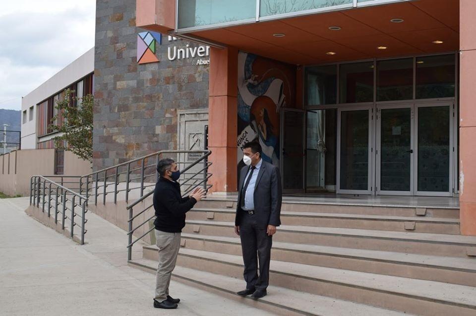 El ministro Gordillo visitó la Residencia Universitaria