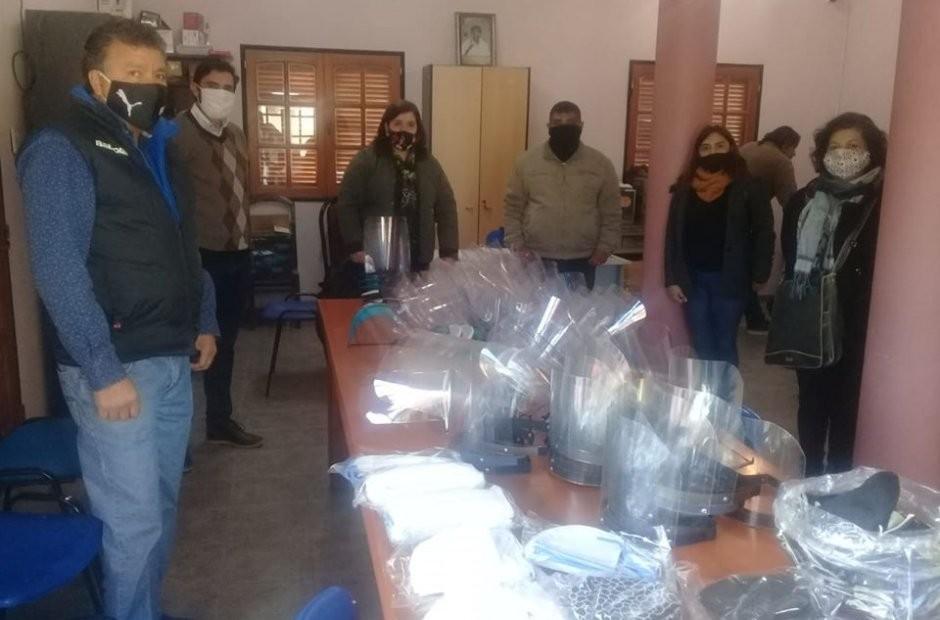 Centro de Formación Profesional de Hullapima entregó máscaras y barbijos