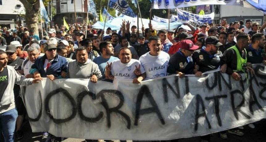 Dos facciones de la UOCRA se enfrentaron a los tiros durante una olla popular: hay 3 heridos