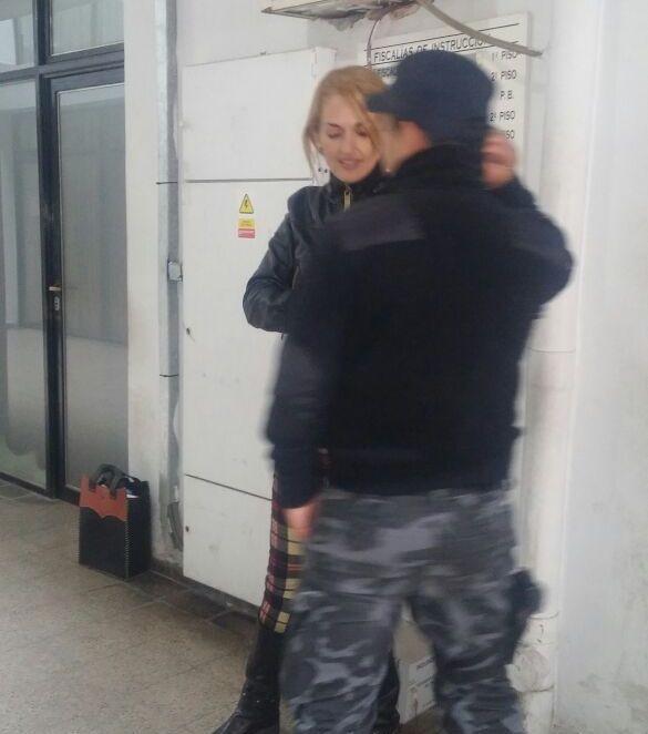 Mujer Policía de la décima fue imputada y continuará detenida