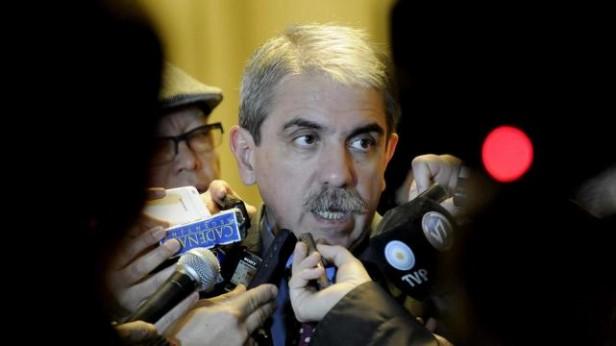 Aníbal Fernández cuestionó la represión en Tucumán