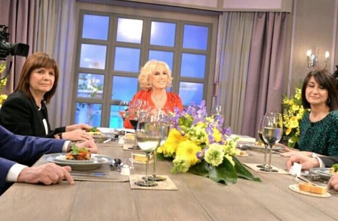 Bullrich pasó un incómodo momento con Mirtha por la desaparición de Maldonado