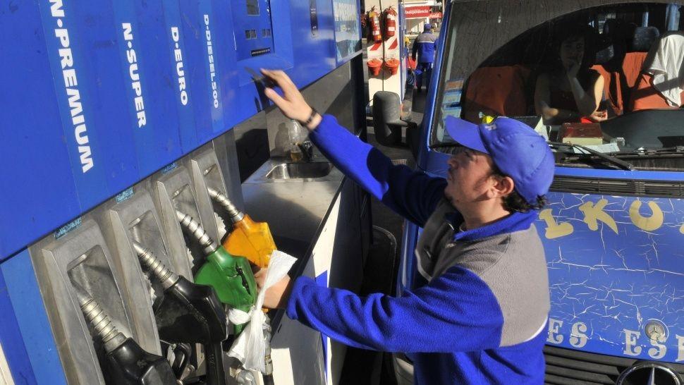 IMPARABLE: Volverá a SUBIR la Nafta súper y Gasoil
