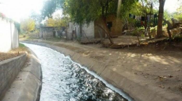 Tragedia: nena de 2 años cayó a un canal de riego y murió ahogada