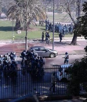 Represión e incidentes en protesta de trabajadores del Astillero Río Santiago
