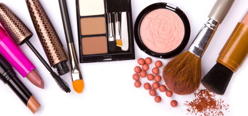 La ANMAT prohibió el uso y comercialización de unos productos cosméticos