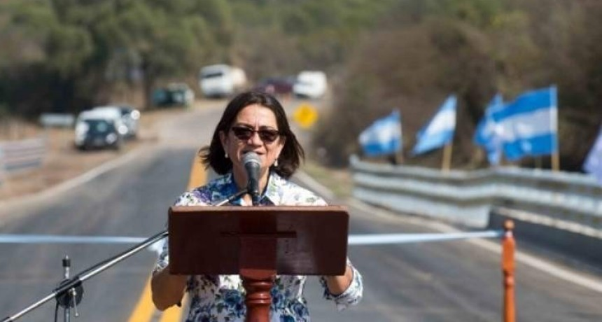 La Gobernadora inauguró las obras sobre el Río Las Cañas
