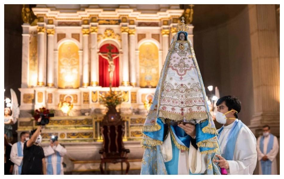 Habilitan misas con presencia de fieles