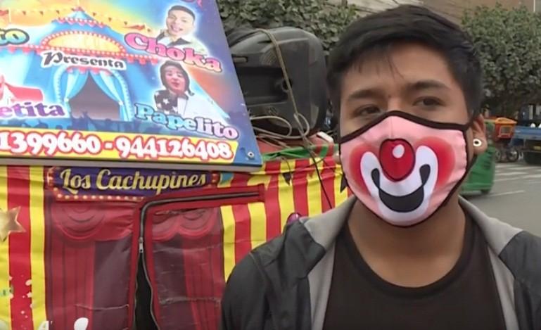 Sin circos por la pandemia, cuatro payasos hacen reír en los barrios de Lima