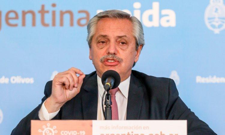 """Alberto Fernández planea más restricciones en la compra del """"dólar ahorro"""""""