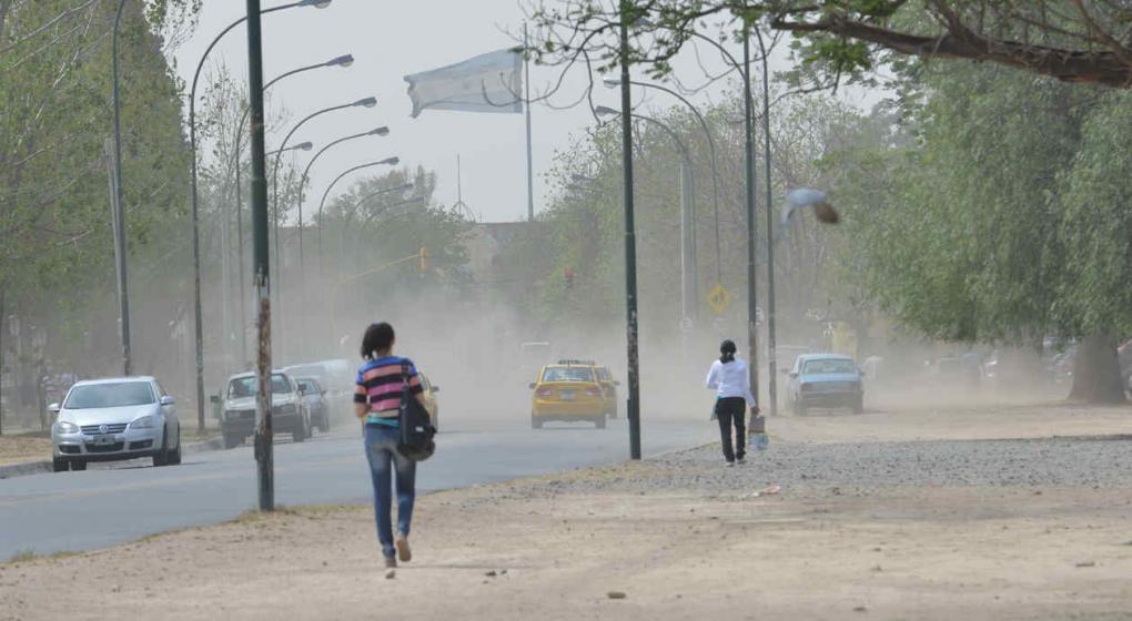 Anuncian vientos con ráfagas de hasta 69 kilómetros por hora para la Capital