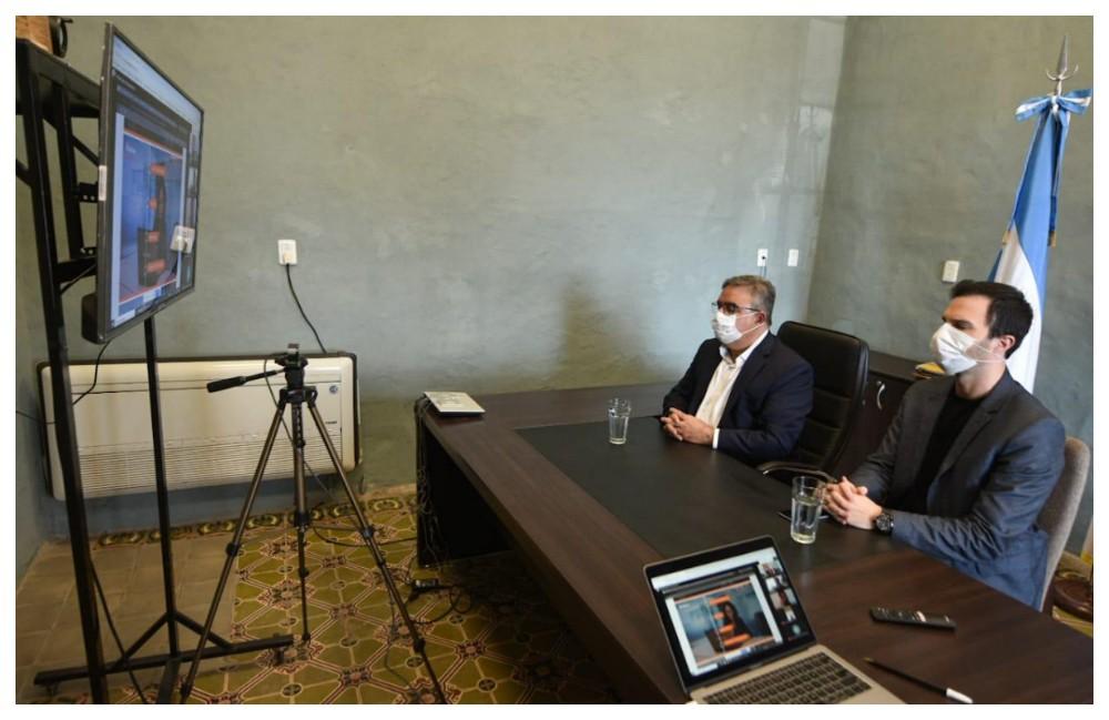Jalil dialogó con empresa de software para generar trabajo