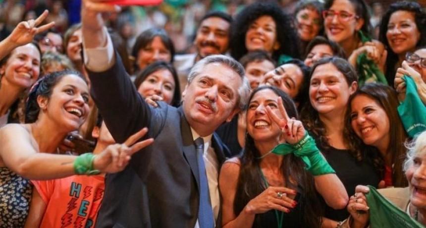 Polémico: buscan que haya paridad de género en las reuniones de Alberto Fernández
