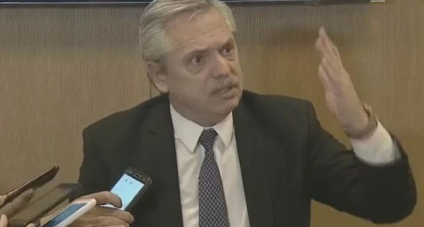 Reuniones sociales: abogados sostienen que el DNU que las prohíbe viola el derecho a la intimidad