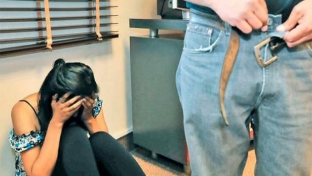 Tiene 15 años y contó en Facebook que su padre la viola todas las noches