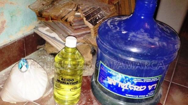 NARCOFAMILIA: Secuestran elementos precursores químicos para la elaboración de droga