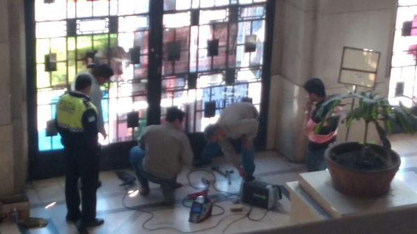 Palacio de Justicia de Tucumán con puertas soldadas