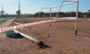 CÓRDOBA: Se cayó un poste y mató a un nene