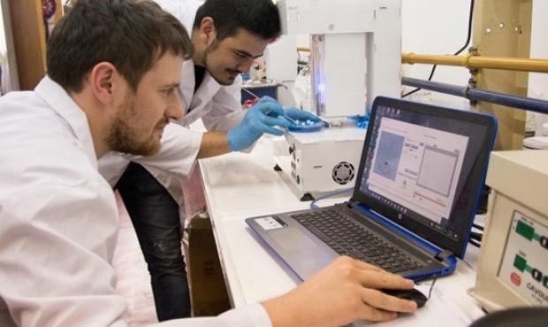 Funciona en Córdoba la primera impresora 3D de medicamentos del país