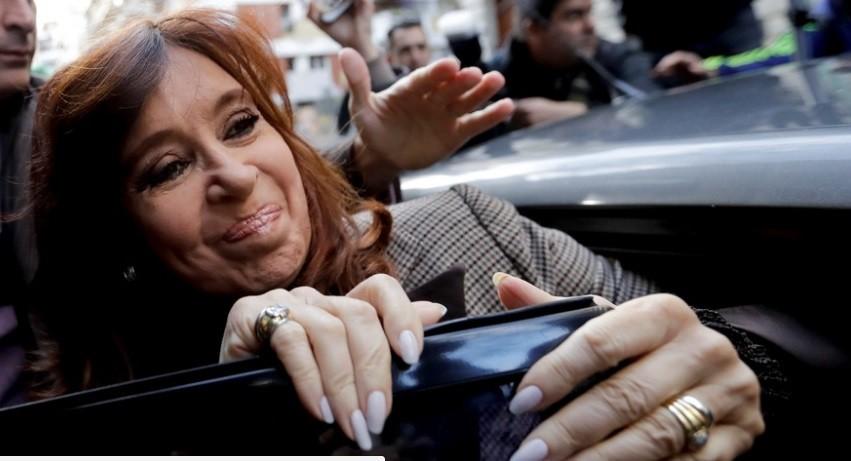 Cristina vuelve a declarar ante Bonadio y se complica su situación judicial