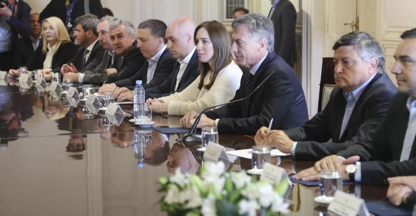Ampliar el impuesto a las Ganancias, el eje del pacto que Mauricio Macri firmará con los gobernadores