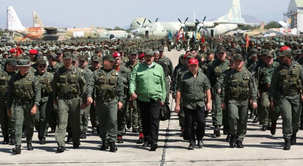 Tensión entre Venezuela y Colombia: el régimen de Nicolás Maduro desplegará 150.000 militares en la frontera